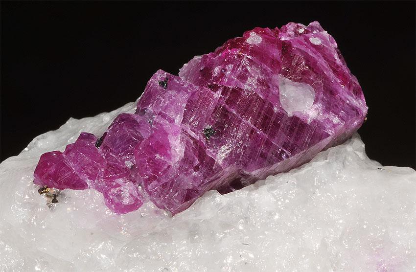 Фиолетовый рубин
