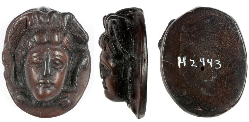 Реактивная камея с изображением Медузы
