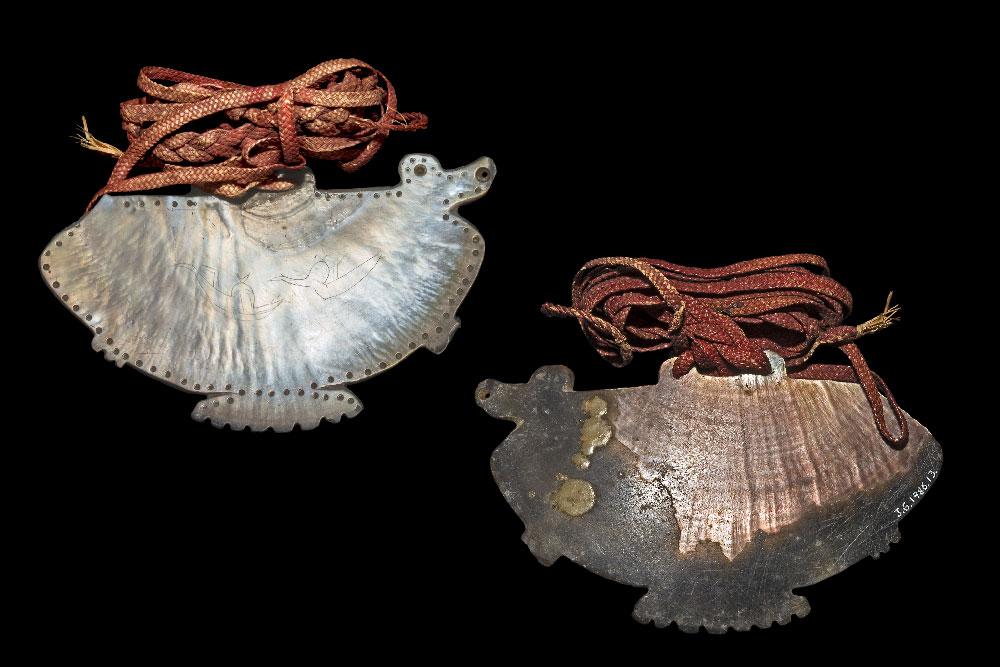 Перламутровый кулон с гравировкой Соломоновы Острова 1838 г.