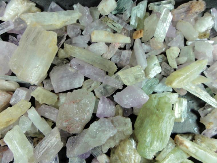 Камни Кунцита