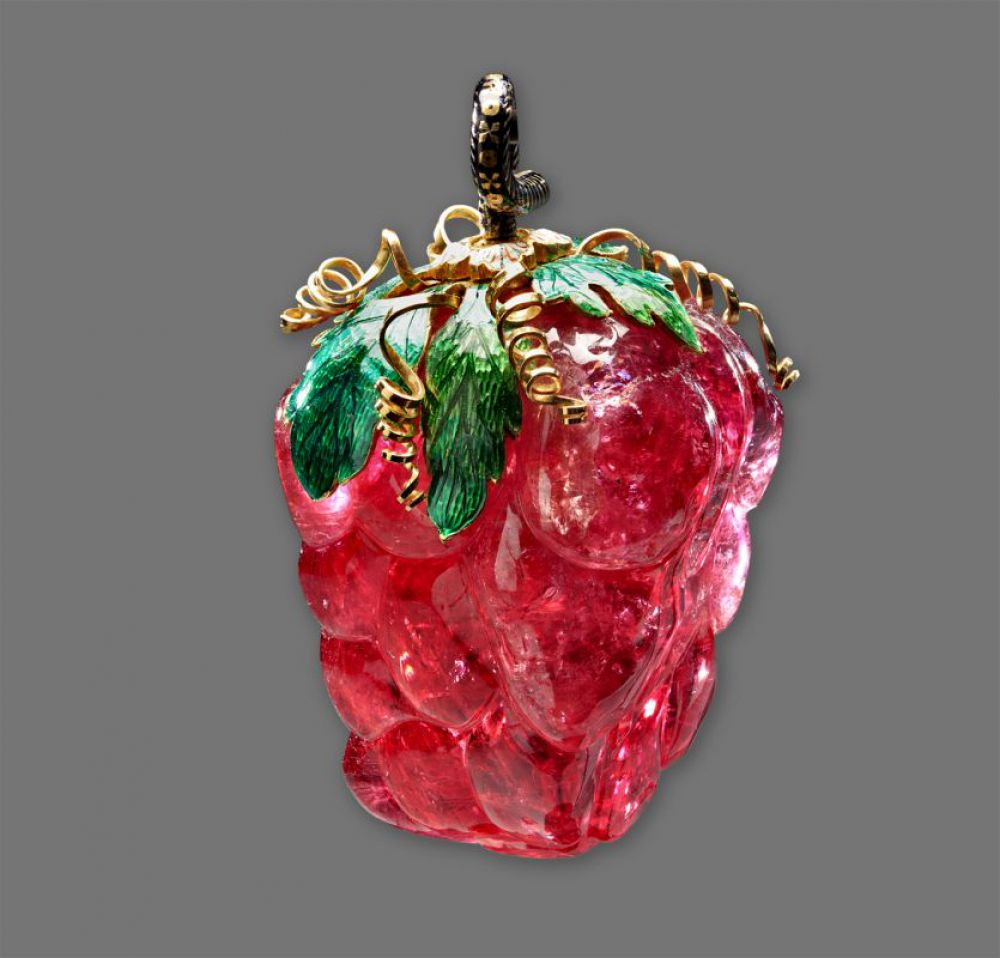 «Рубин Цезаря» из рубеллита